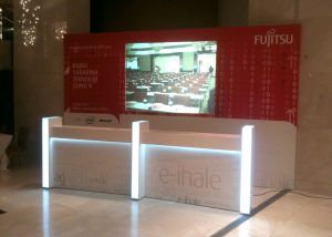 pop-and-fair-stands-fujitsu-welcome-desk